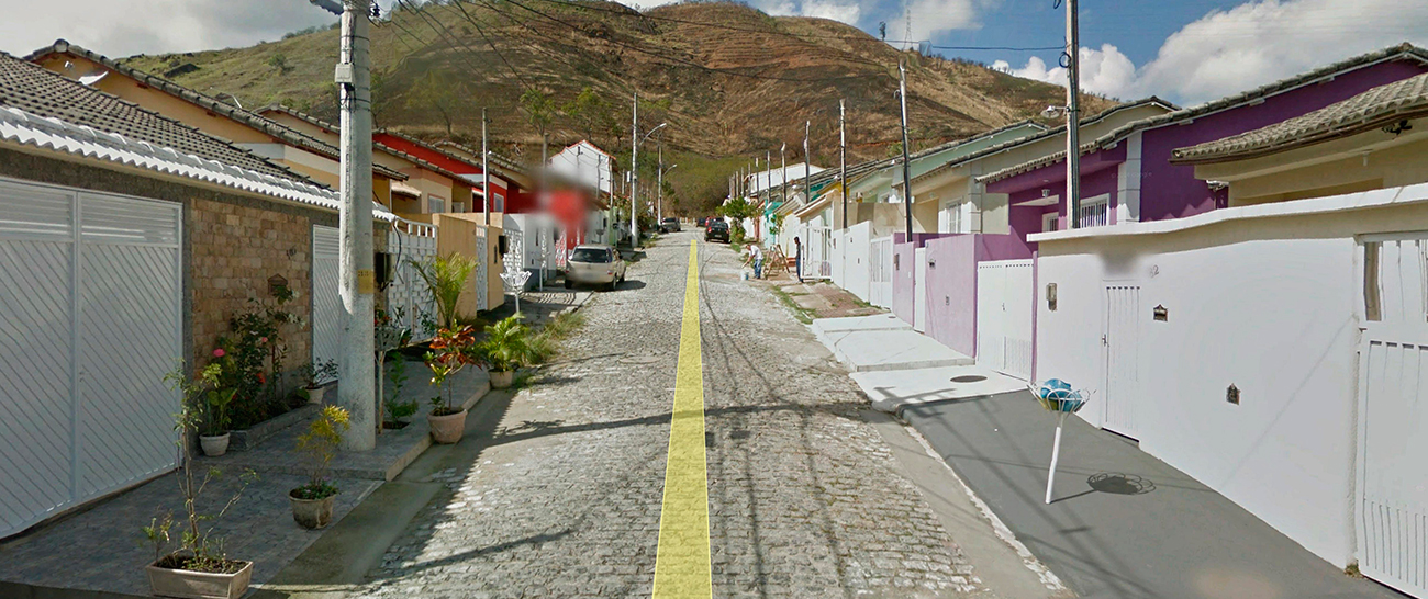 Alameda - Rua Elaine Rodrigues.